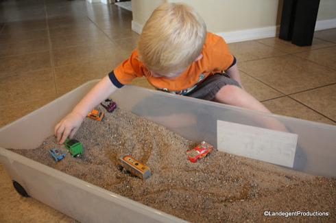 die spielplatz anlage 05 sandkiste im haus warnung vor sandbuddeln. Black Bedroom Furniture Sets. Home Design Ideas